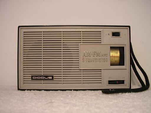 Diodus All transistor FM/AM Portable radio